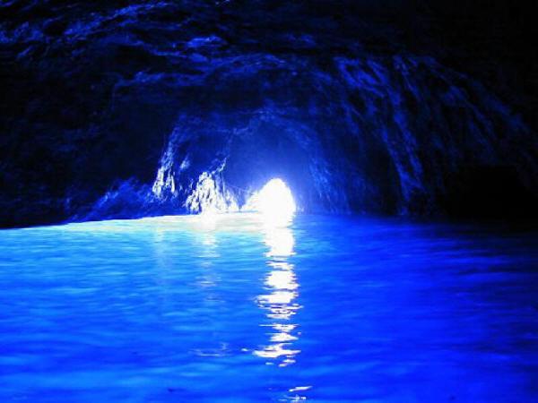 Oggi si riscopre la Grotta Azzurra con Kaire Arte Capri