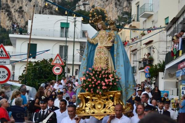 foto madonna della libera processione capri festa