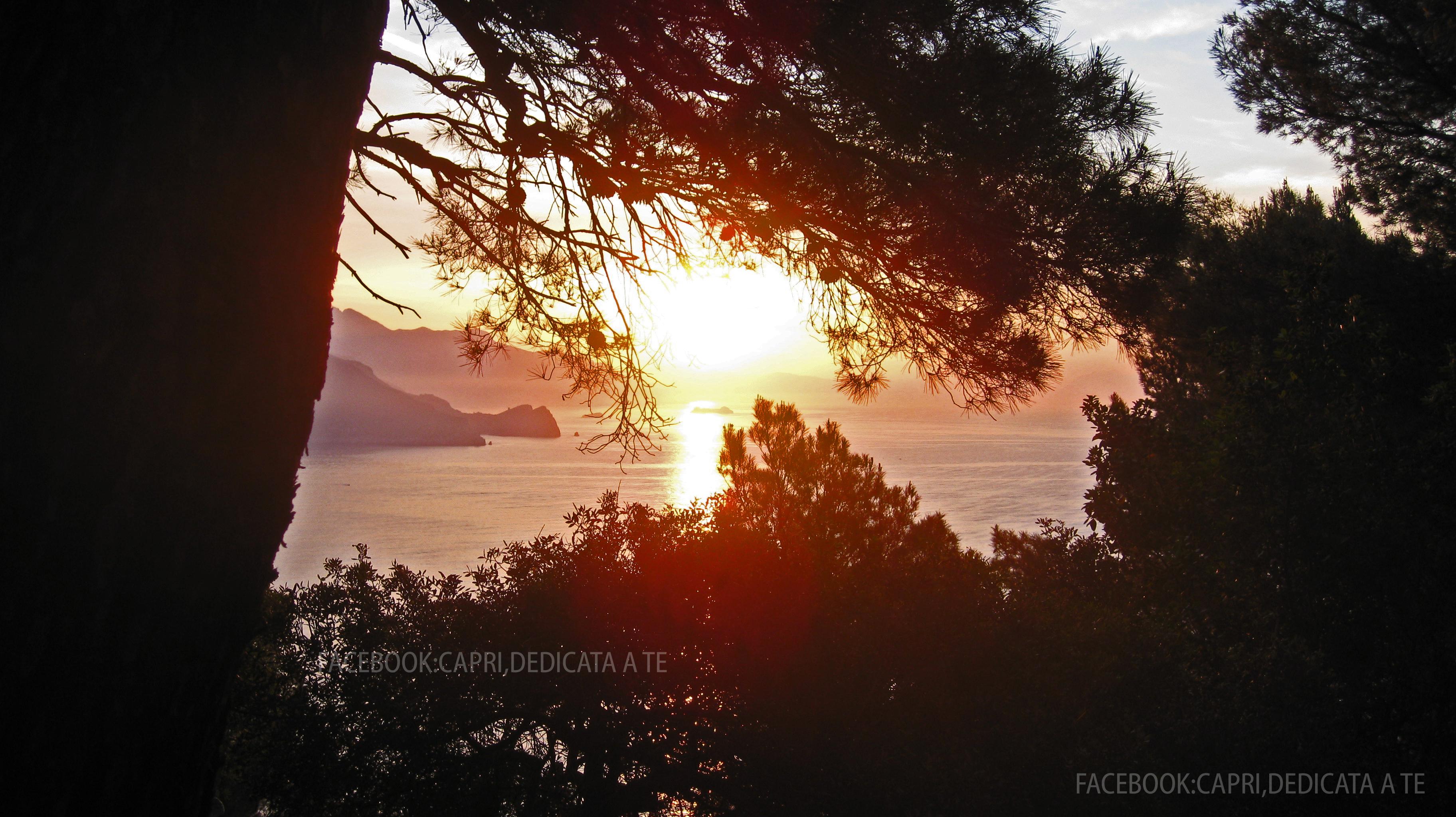 Capri, una nuova meravigliosa alba d'autunno