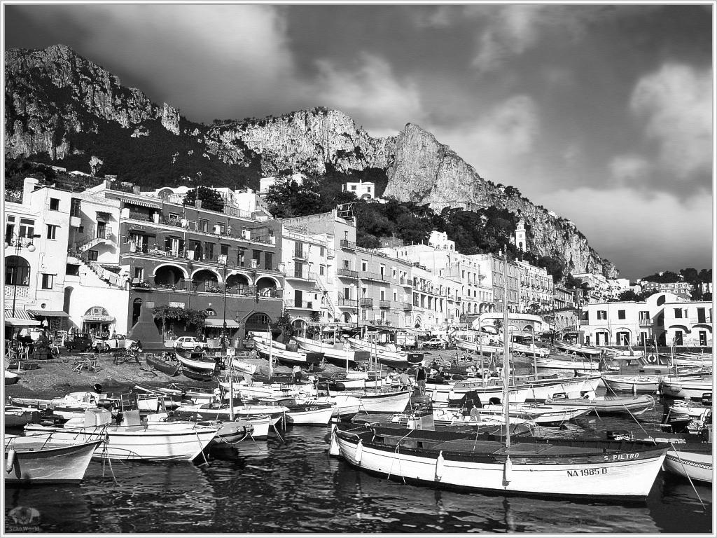 Capri, come erano le vacanze nel 1956, video