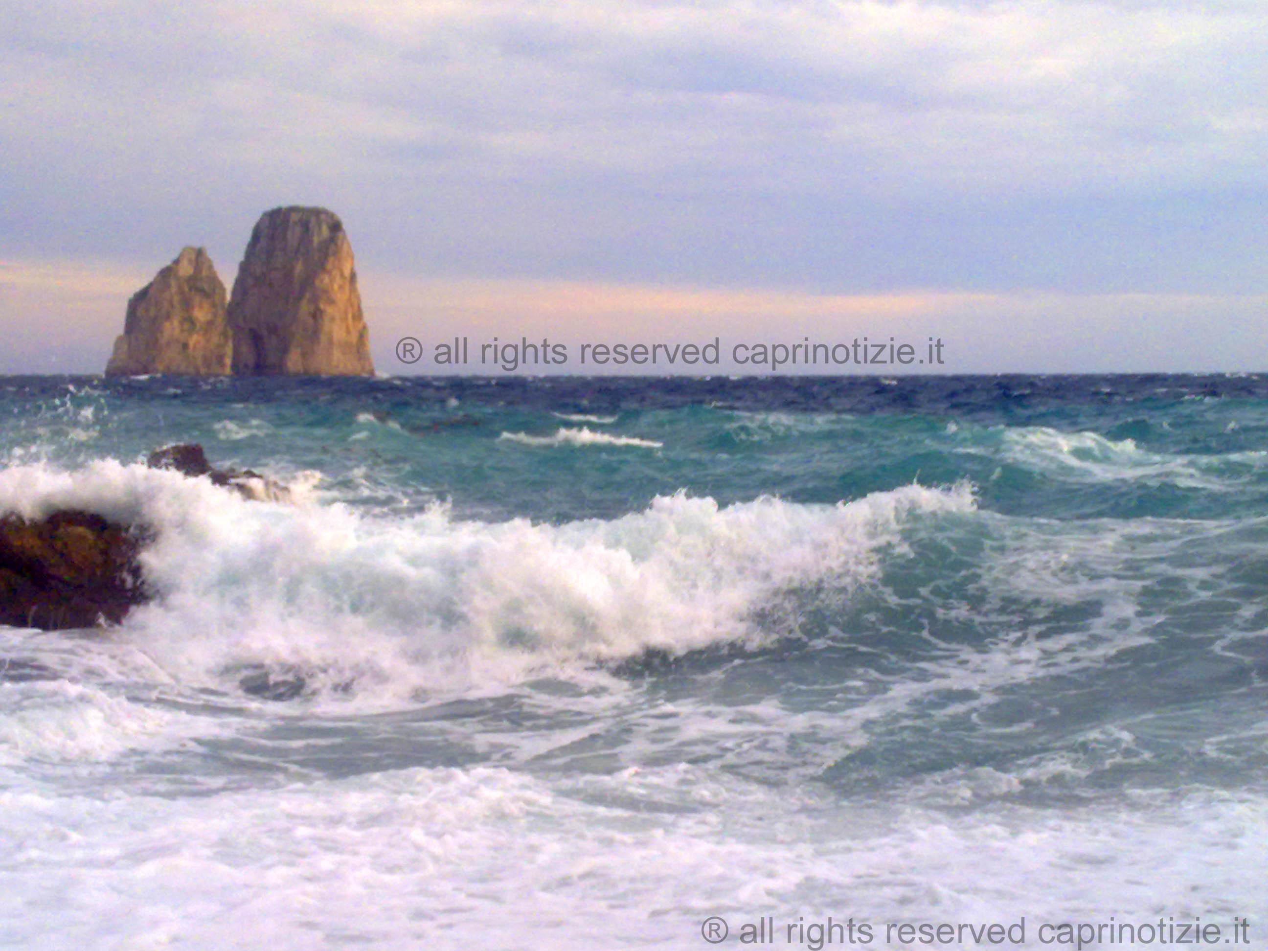 Capri: inizio Settimana Piovoso  con venti moderati da Sud e mare Mosso (Previsioni)