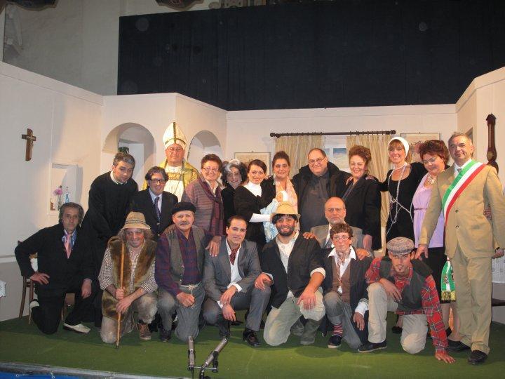 """Teatro a Capri con """"Il morto sta' bene in salute"""" commedia con la compagnia A.RI.AN.IS."""