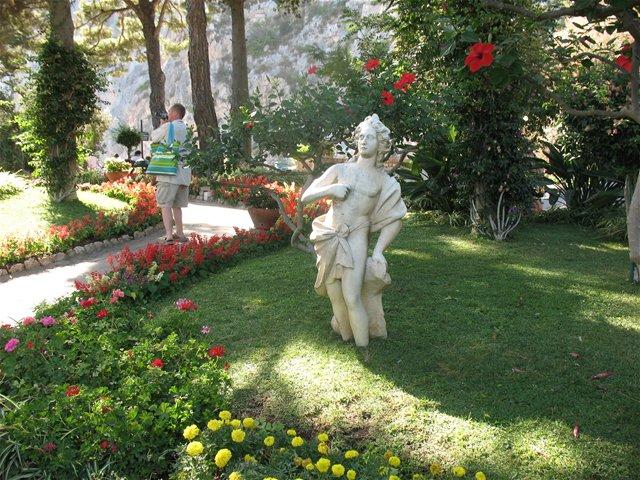 """""""Odi et Amò Amore e Odio Caprese"""" in scena  il Sipario Azzurro ai Giardini di Augusto di Capri"""