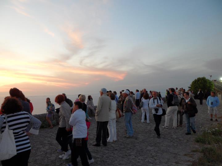 Kaire Arte vi invita per percorso storico naturalistico da piazza Caprile a Punta Carena