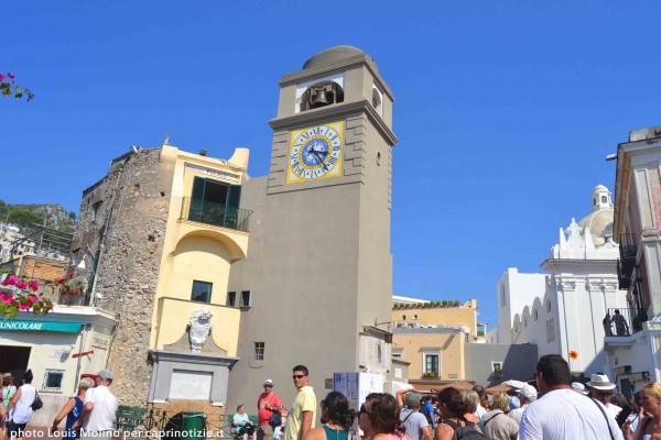capri piazza piazzetta centro campanile isola