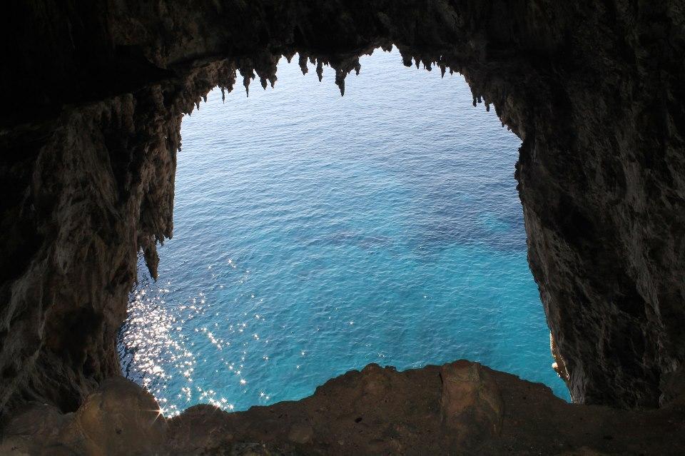 La grotta Meravigliosa di Capri, storia curiosita' e una bellissima pagina facebook