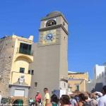 Folla di Vip a Capri: Bono, Hugh Jackman, Rod Stewart, Michael Chiklis nella calda estate all' ombra dei Faraglioni
