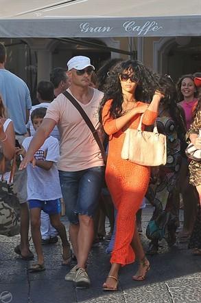 Rihanna a Capri, molte le voci di un suo ritorno sull' isola dei faraglioni