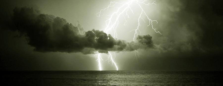 Spettacolo di fulmini nella notte caprese (foto)
