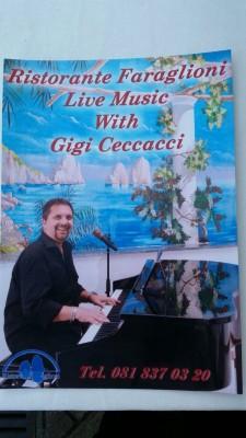 """""""Il Pianobar""""di  Gigi Ceccacci al ristorante """" Faraglioni"""" di Capri"""