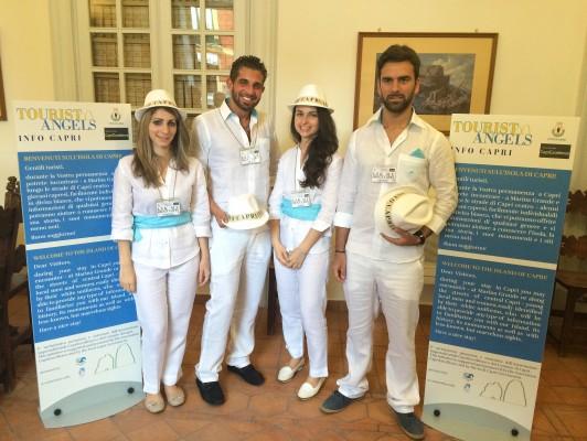 """Presentato il progetto """"Tourist Angels info Capri"""" nuovi serivizi per i turisti (FOTO)"""