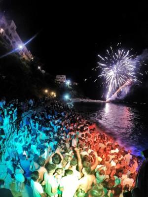 """""""Le note del Mare"""" Le foto della grande festa di ferragosto sulla spiaggia di Capri"""