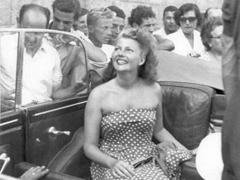 """Capri omaggia Rita Hayworth la """"dea dell'amore"""""""