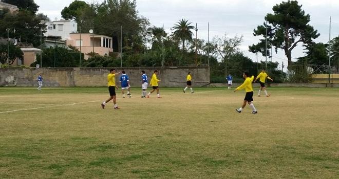 Calcio 2 Categoria: Inarrestabile Olimpia Capri 5 a 1 contro l'evergreen Sant' Agnello ed é prima in classifica