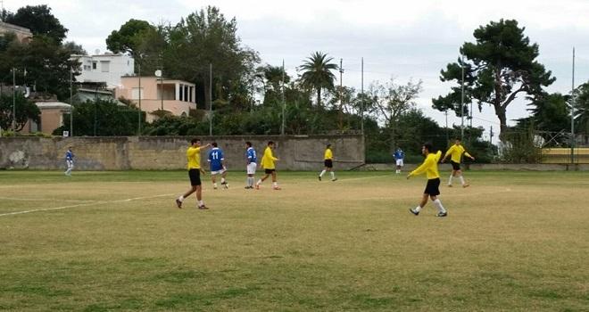 Calcio seconda categoria:  L'Olimpia Capri pareggia a Ponticelli risultato finale 1-1 ma rimane prima in classifica