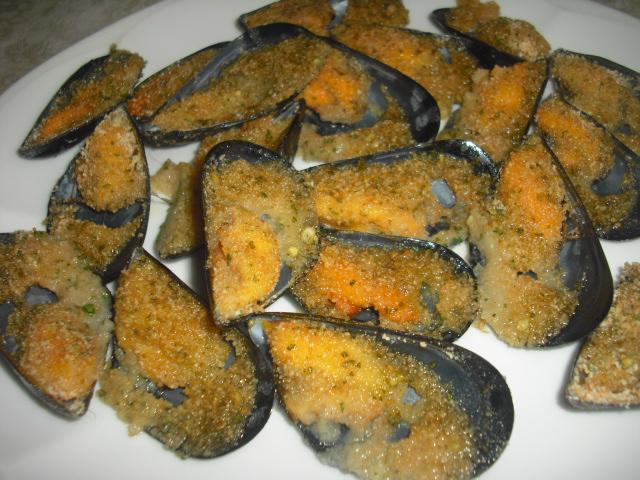Cozze gratinate alla napoletana, ricetta tipica
