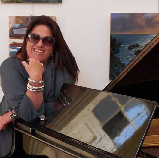 Le poesie dell'artista caprese Annalena Cimino all' Expo d'Arte Contemporanea e poesia di Cava dei Tirreni