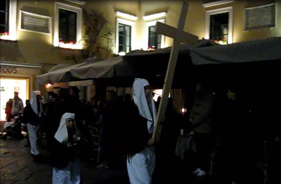 Capri. La Solenne Processione del Cristo Morto ( Gli orari delle Celebrazioni)