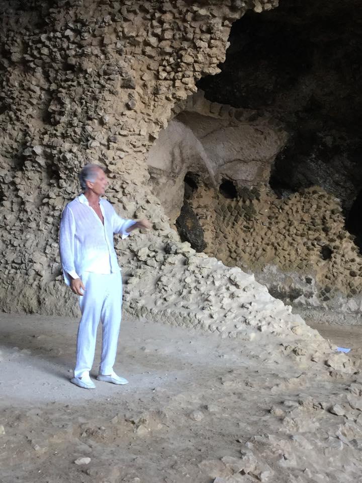 """Speciale Settimana del Futuro a Capri:   """"Cosa non sappiamo della Poesia"""" ospite il filosofo e poeta Eugenio Mazzarella"""