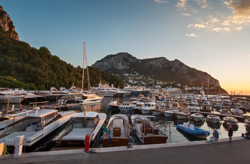 """""""La Marina Green di Capri"""" La svolta ecosostenibile  che rivoluzione il porto turistico dell' isola"""