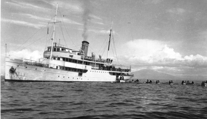 Turisti arrivano in Traghetto a Capri nel Gennaio del 1935 (VIDEO)