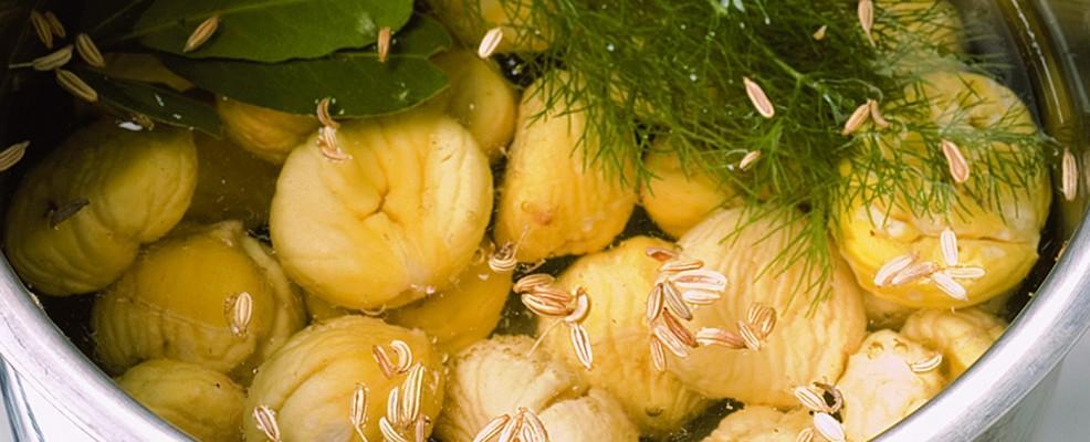 """Le castagne """"Mpest"""" lo storico procedimento della preparazione delle  castagne peste"""