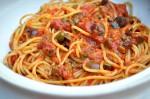 Spaghetti alla Puttanesca ;  Ricetta e Leggenda