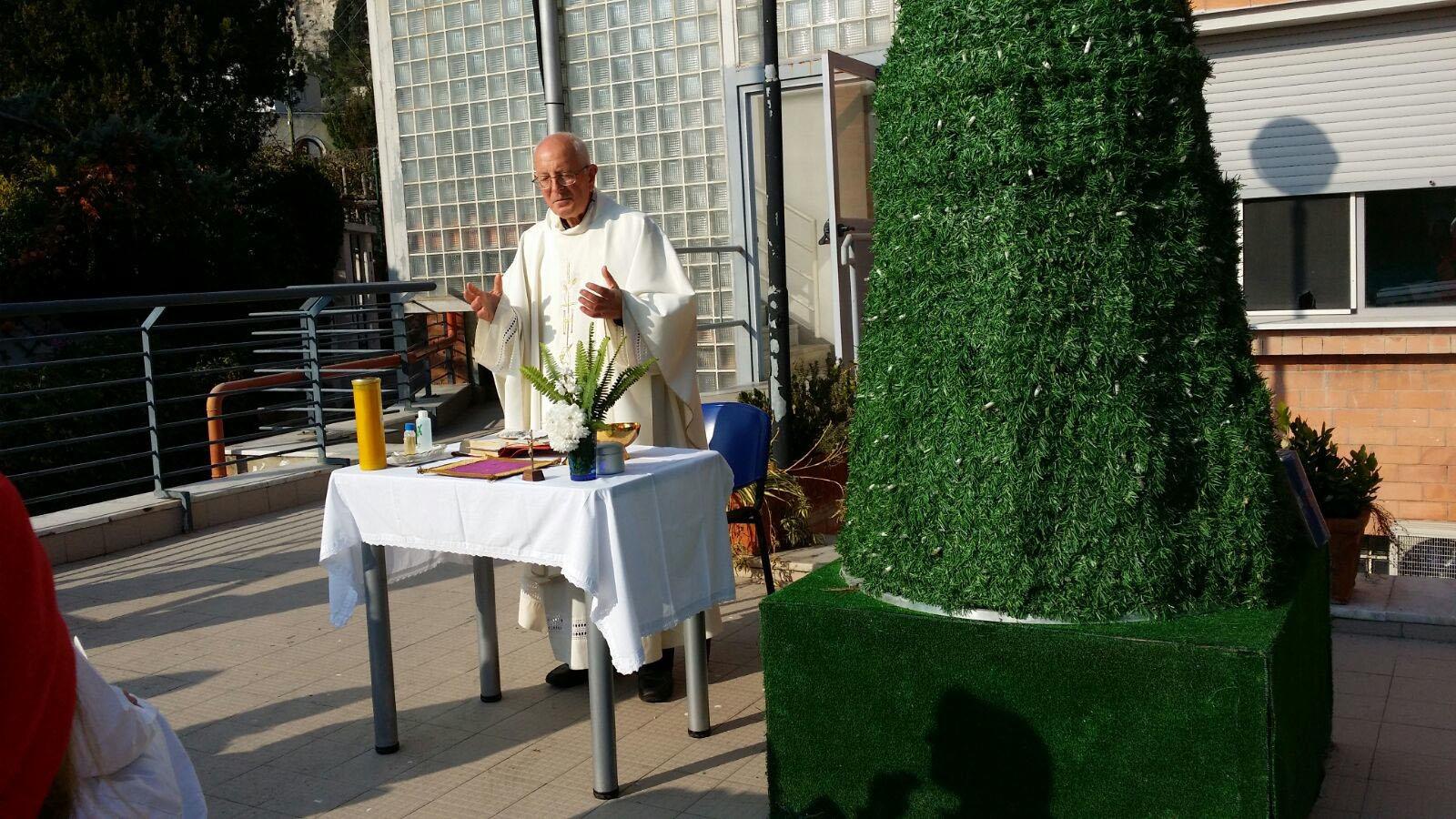 La Tradizionale Messa di Natale all' Ospedale Capilupi celebrata da Don Vincenzo Simeoli (VIDEO)