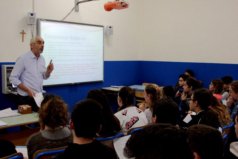 Gli alunni dell' I.C. Nievo di Capri incontrano gli operatori delle varie attività lavorative