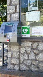 Capri  é un Comune Cardioprotetto, installati i primi defribrillatori (Foto)