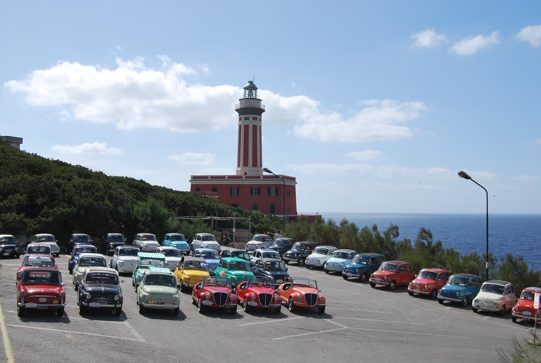 Capri: Sbarcano le Fiat 500 d'Epoca  per il Settimo Raduno con tante novità