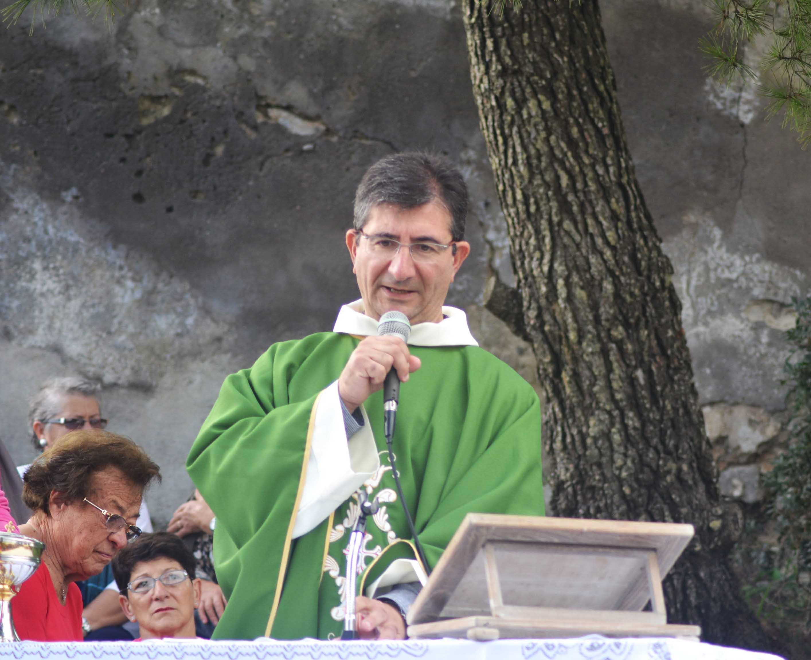 Don Daniele Pollio lascia Capri, il saluto e il ringraziamento della nostra redazione