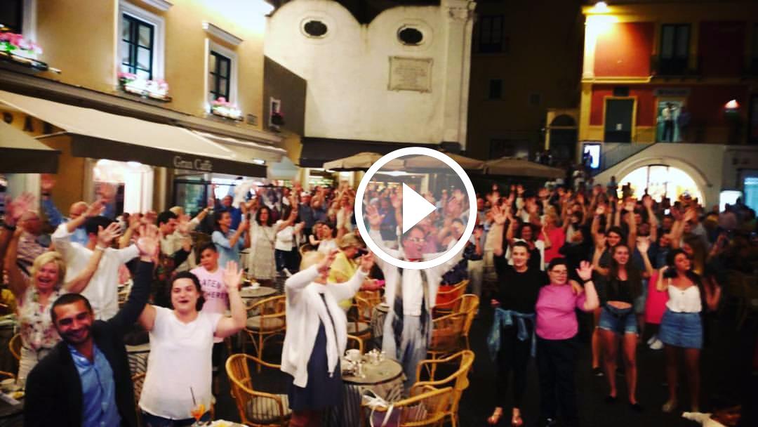 Capri. Il video del concerto degli Allerija in piazzetta diventa virale, 8000 visualizzazioni e 22.000 persone raggiunte