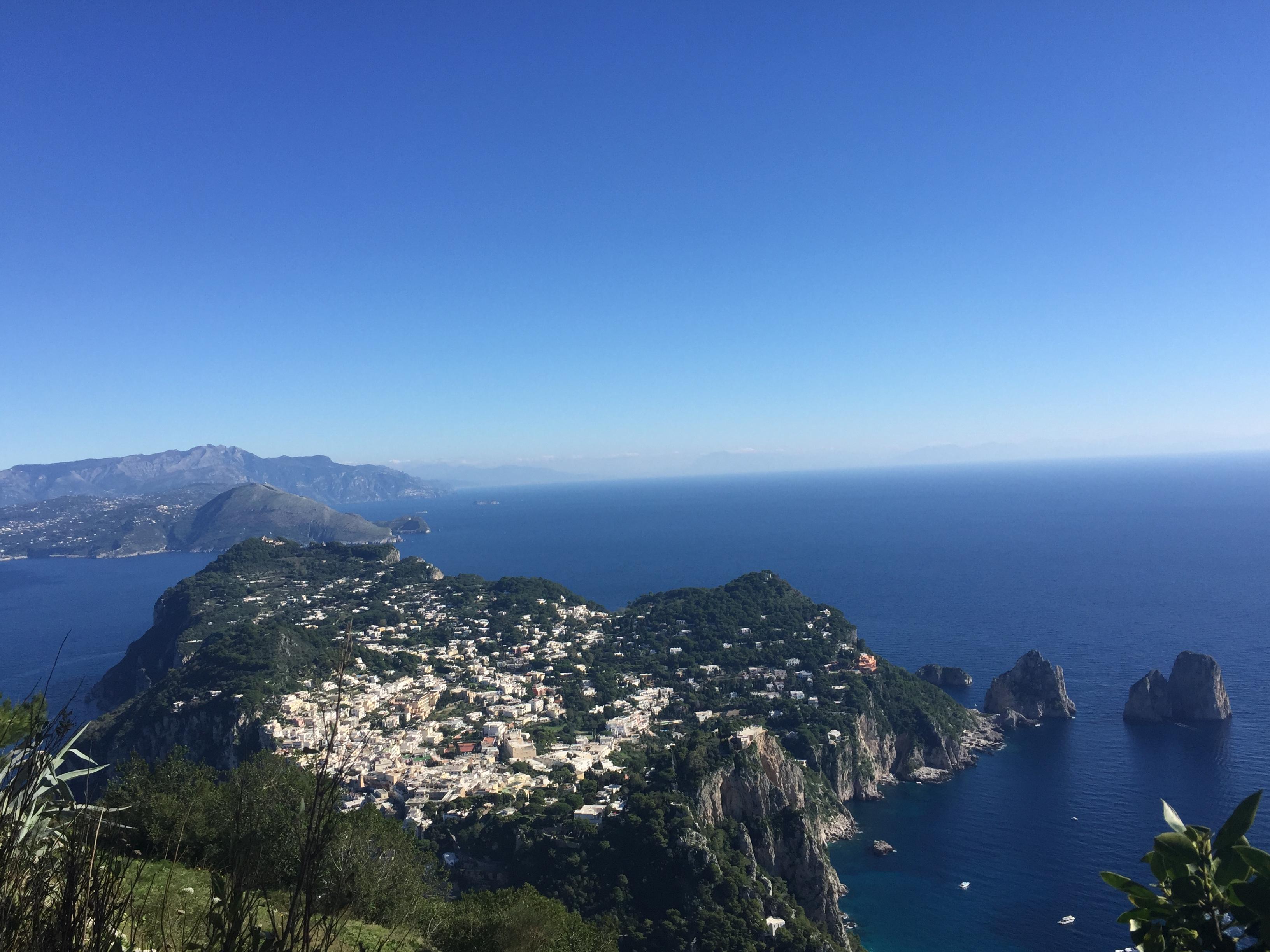 Vacanze di Luglio a Capri, le proposte di Hotel e B&b di Booking.com