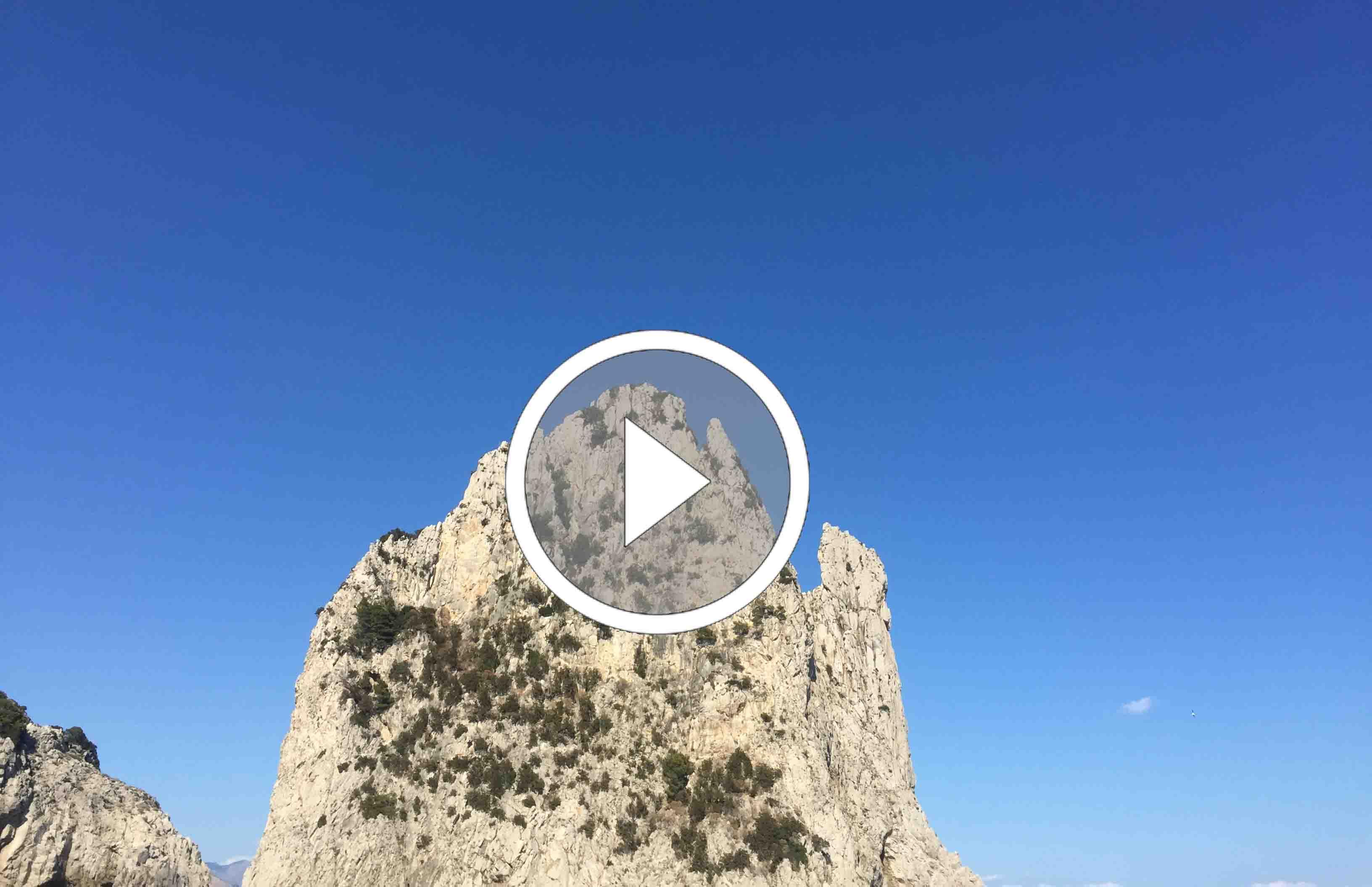 Capri. Un mattino di Luglio all'ombra dei Faraglioni (VIDEO)