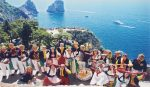 """Esibizione del gruppo """"Bella Capri"""" in chiusura del Festival Internazionale del Folklore ad Anacapri"""