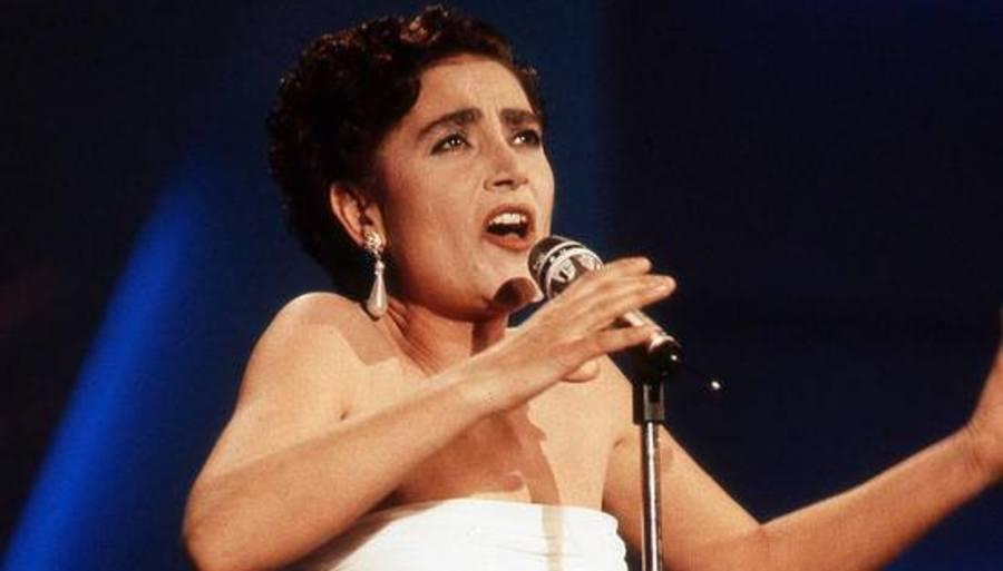 """Mia Martini a 25 anni dalla sua scomparsa la ricordiamo con la premiazione nella Piazzetta  di Capri per la canzone """"Donna"""" (VIDEO)"""