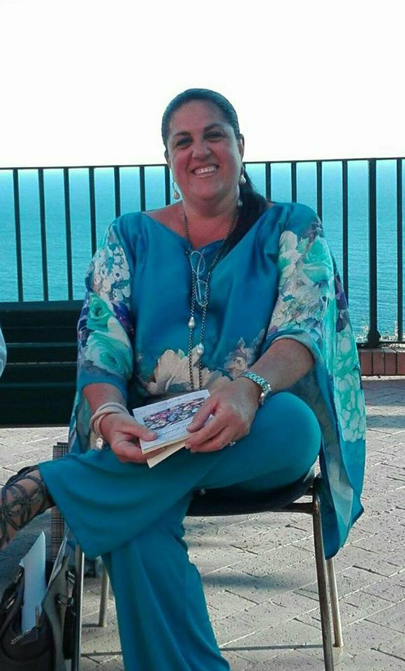 La poetessa di Capri Annalena Cimino e il successo della sua poesia che raccoglie premi in tutta Italia