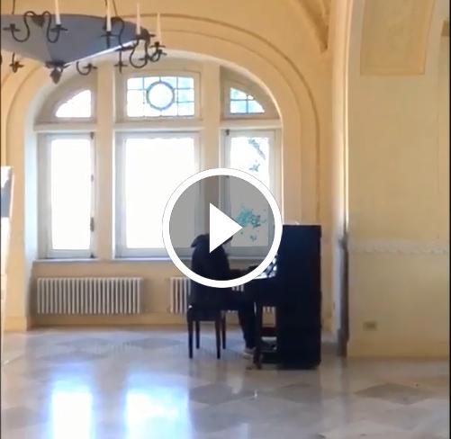 Capri. Metti un pianoforte storico a Villa Lysis e il grande Bruno Lembo Jr. ed ecco cosa succede