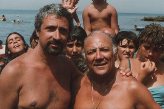 """Capri nelle Canzoni:  """"Qui sotto il cielo di Capri"""" quando Claudio Villa approdava in motoscafo a Marina Grande"""