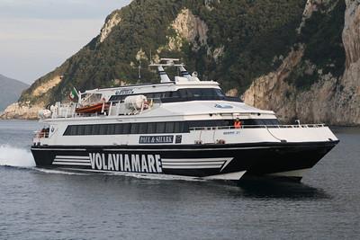 Capri. Il Sindaco De Martino ringrazia il Comandante Antonio Russo del Giunone Jet