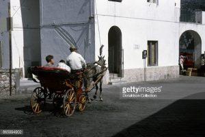 Capri 1963: Quando i turisti erano accompagnati in Carozzella ( Foto)
