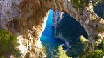 """Capri. L'Arco Naturale in Primavera """"Uno Spettacolo unico al Mondo (Video)"""