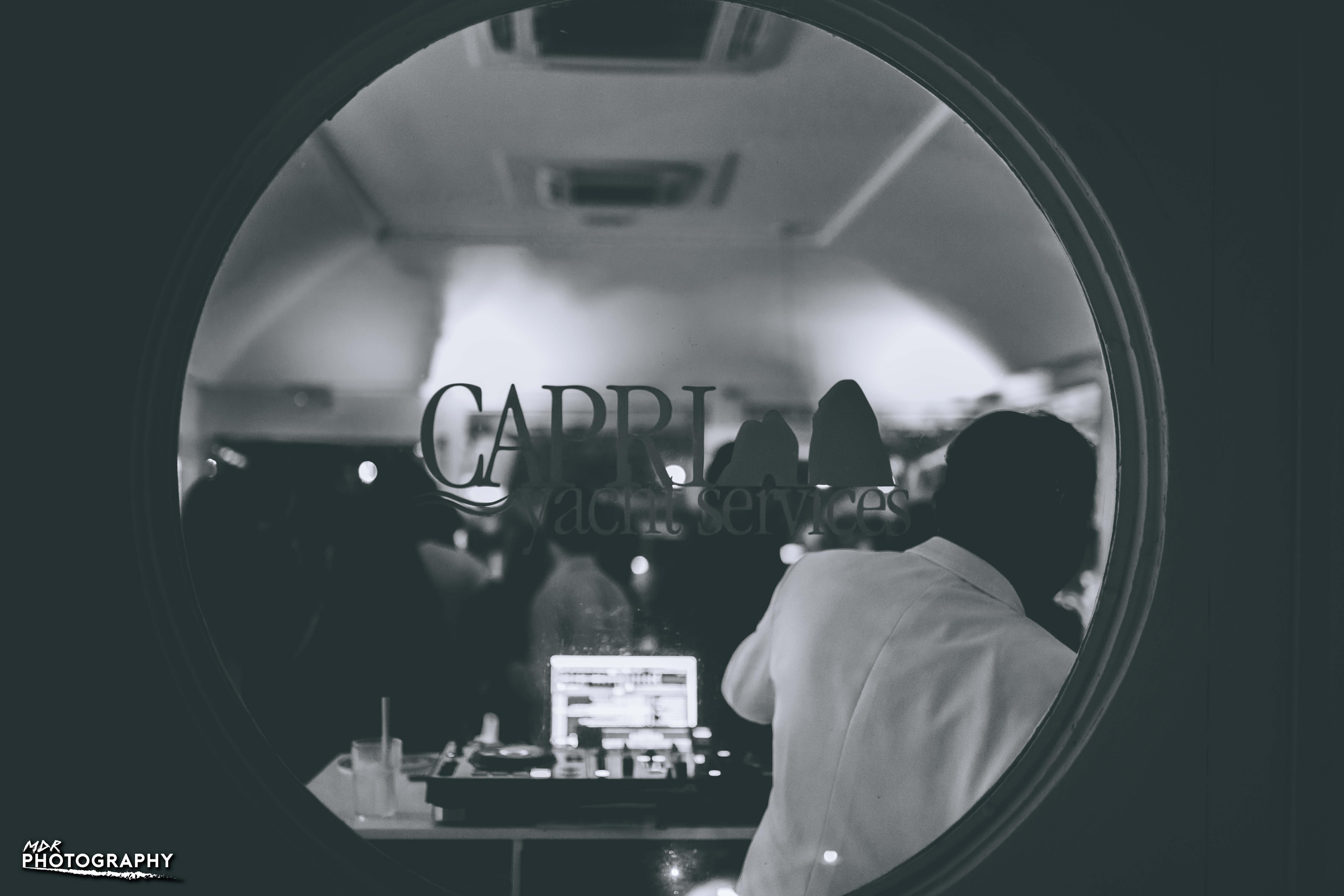 """Capri. """"Marina Club: Music and Fragrances"""" l'appuntamento del Giovedì al """"Chartusia Cafè"""" del Porto Turistico"""