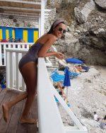 Caterina Balivo la solarità che conquista l'estate di Capri