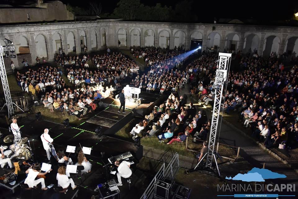 "La Certosa di Capri ammira "" Peppino di Capri""  grande successo per i 60 anni di carriera (VIDEO)"