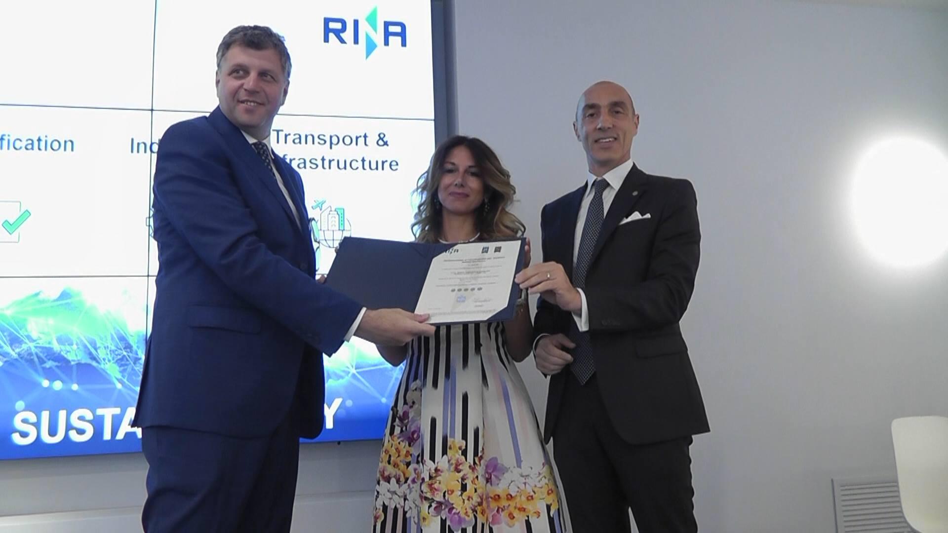 """La Marina di Capri ottiene la Certificazione """"MaRina Excellence"""" prima valutazione a livello nazionale dei servizi offerti dai porti turistici in termini di portualità, turismo e sostenibilità."""