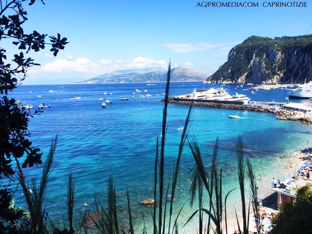 Capri. Il Mare Spettacolare di Settembre nella Foto di oggi