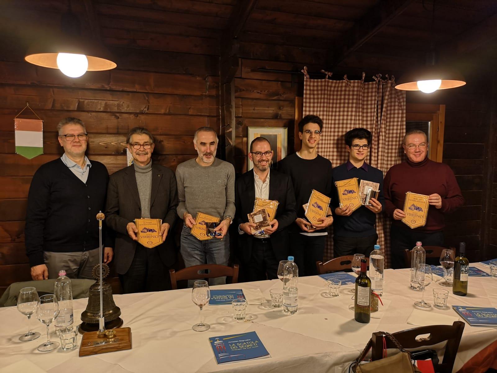 """Il libro """"La scatola dei segreti"""" di Amedeo Bagnasco accolto ad Urbino nel segno dell' amicizia e della Solidarietà"""