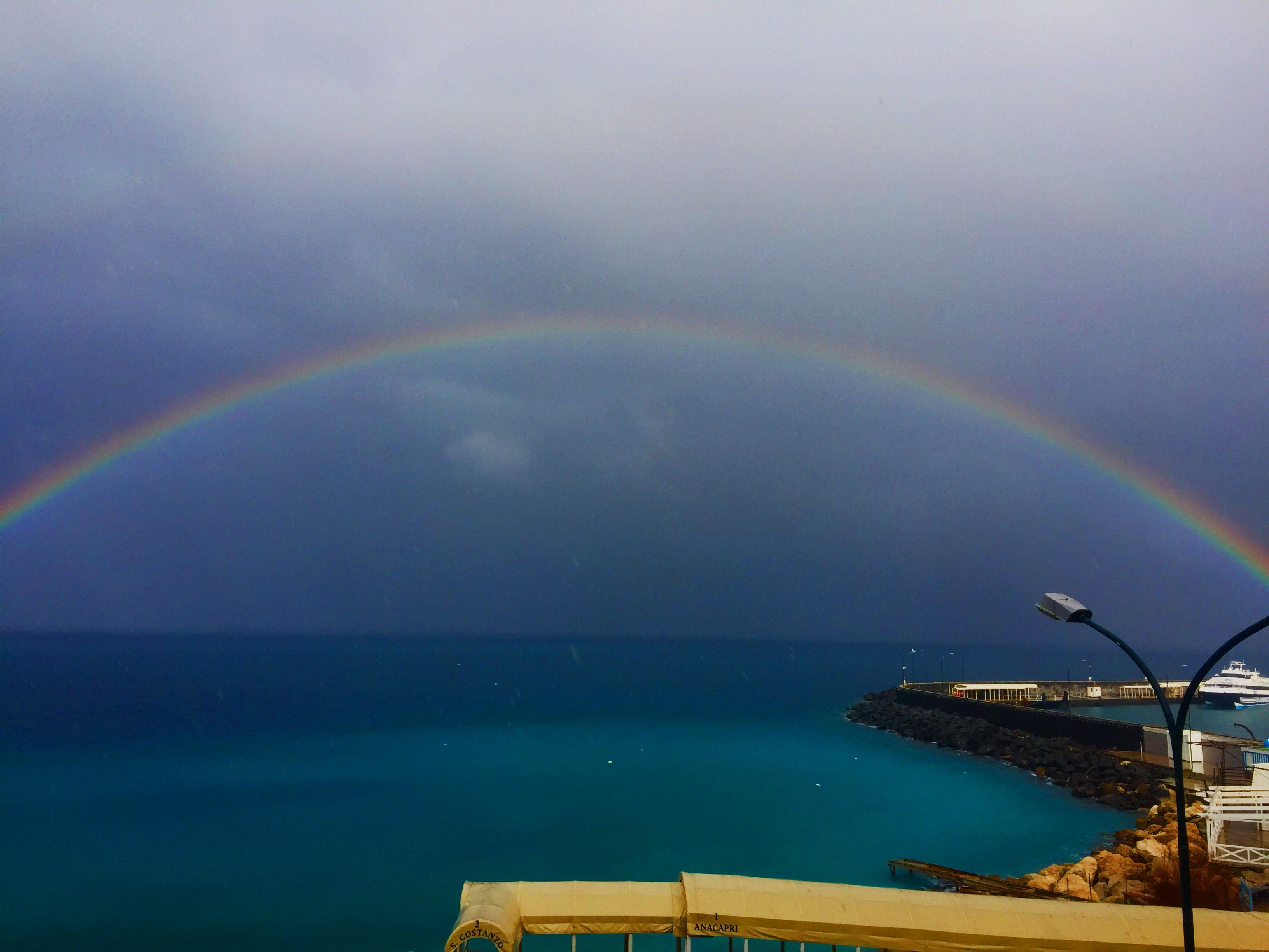 Arcobaleno a Capri, le foto ed i video più spettacolari